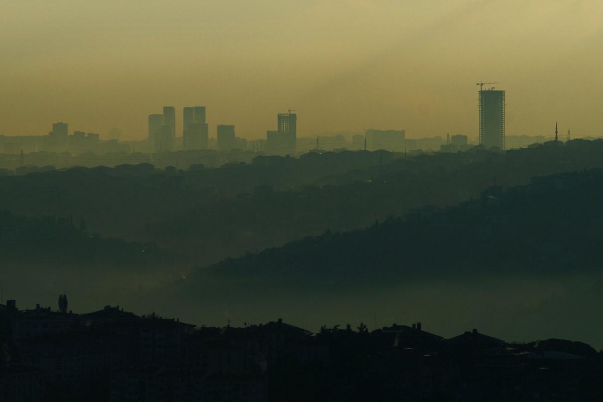 Koronawirus a zanieczyszczenie powietrza
